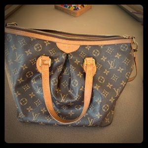 Louis Vuitton shoulder purse